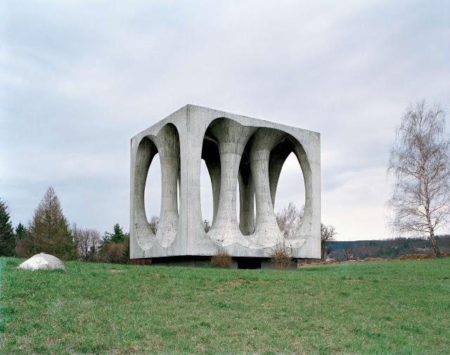 Construcciones abandonadas de la antigua URSS Spomenik_08