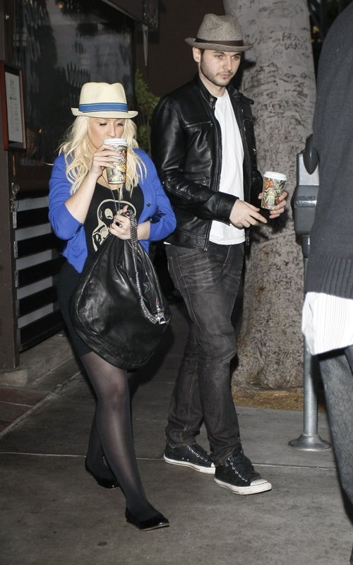[Fotos+Video] Christina Aguilera y su Hermano yendo de Compras a Fred Segal (30/Mar/12) 2%257E56