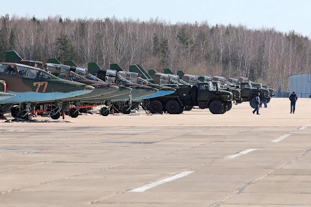 Sukhoi Su-25 (monoplaza, bimotor de ataque a tierra, apoyo aéreo cercano y antitanque Rusia) 0_b98ab_a2d324c5_XXL