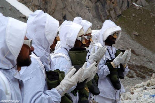 «سياتشن» أعلى ساحة قتال في العالم 175_Siachen-A_War_for_Ice_Bild-01