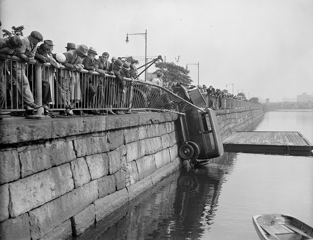 حوادث السيارات في عام 1930 أي قبل 80 سنة .. صور تكشف لأول مرة !؟ Supercoolpics_04_30082012194302