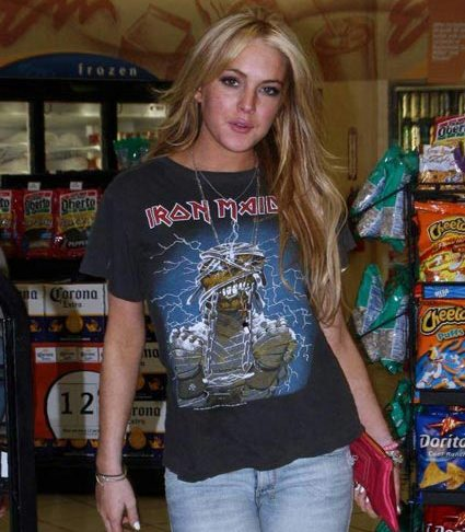 rockeras prêt-à-porter - Página 7 Lindsay-lohan-iron-maiden2