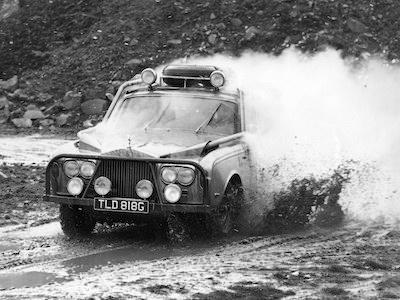 2017 - [Rolls-Royce] SUV Cullinan - Page 3 WC70Rolls52TestBengry005%255B1%255D-793614
