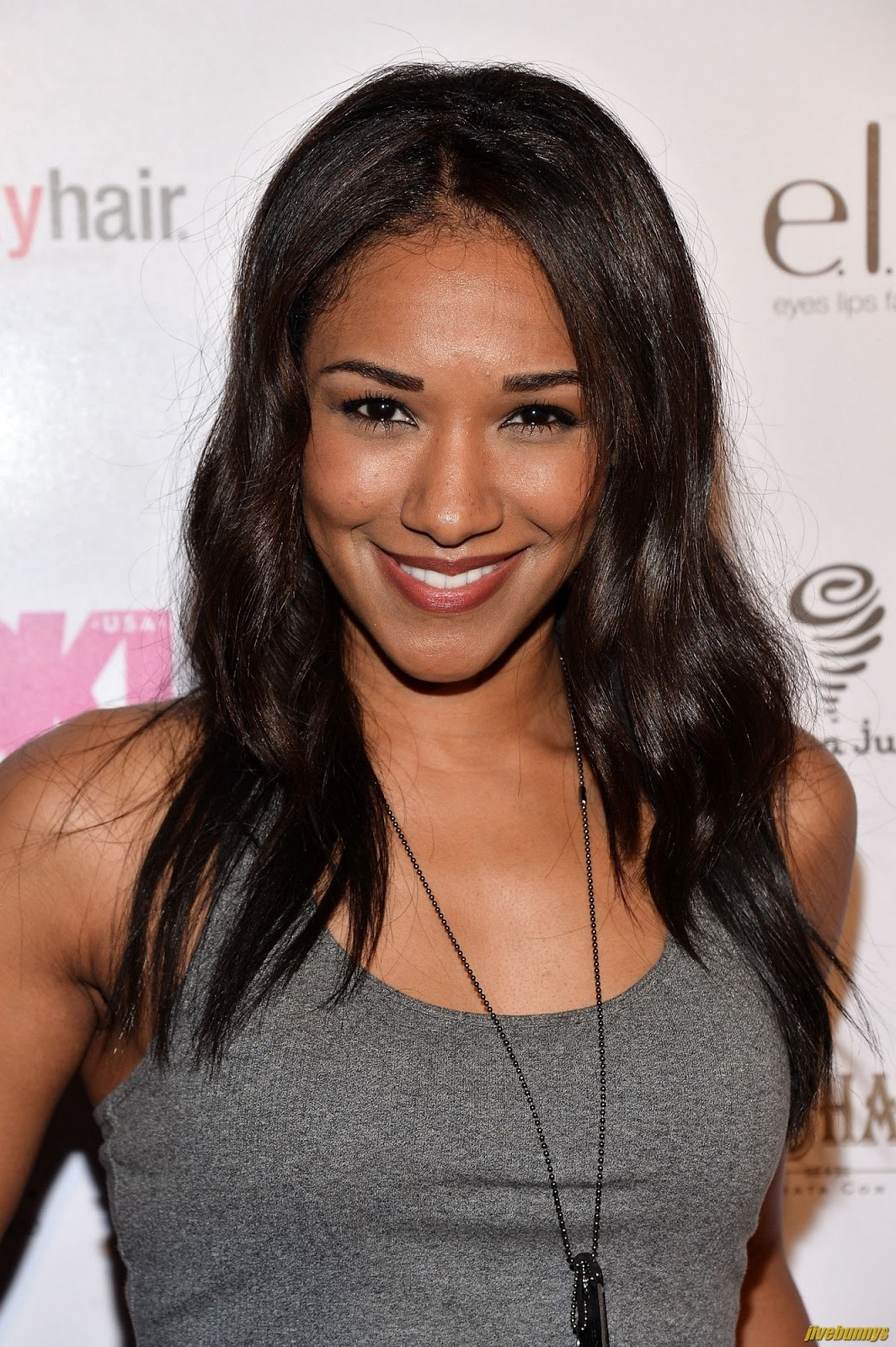 ¿Cuánto mide Candice Patton? - Real height Candice_Patton_9600242