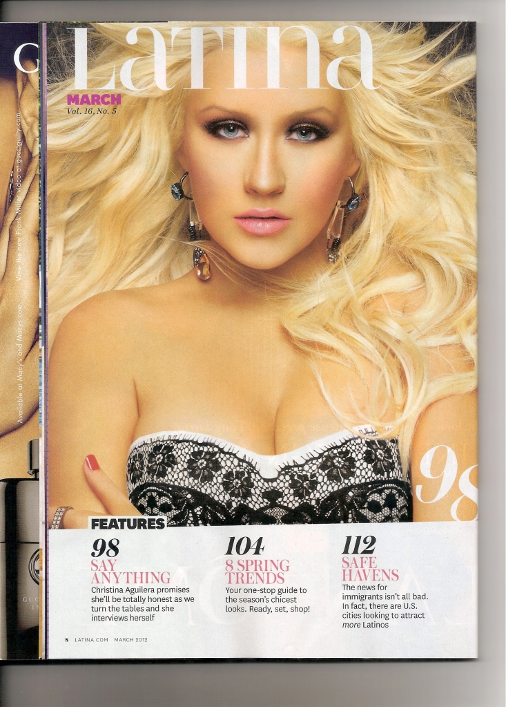 [Fotos+Video] Christina Aguilera en la portada de la revista Latina 2012 9