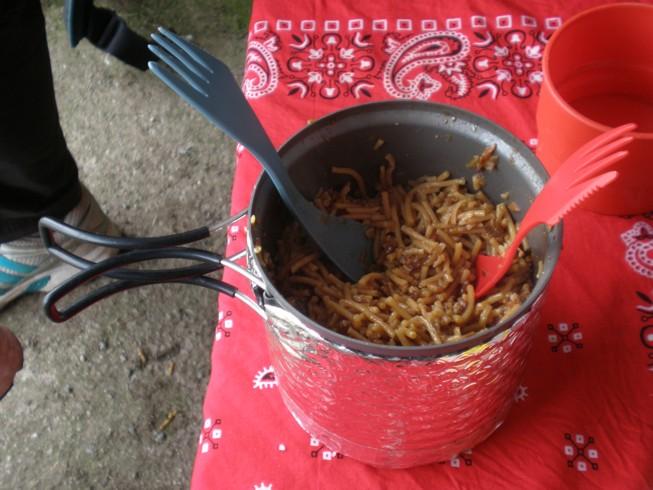 Cómo preparar la comida deshidratada de acampada Comida