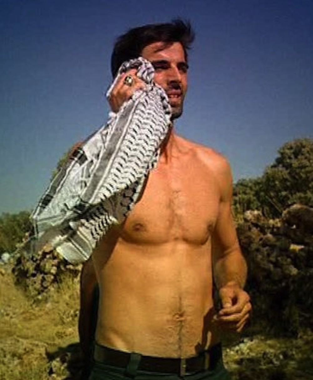11. SÎLA - Puterea destinului - comentarii Comments about serial and actors  - Pagina 2 Mehmet%2BAkif%2BAlakurt%2Bshirtless%2B15