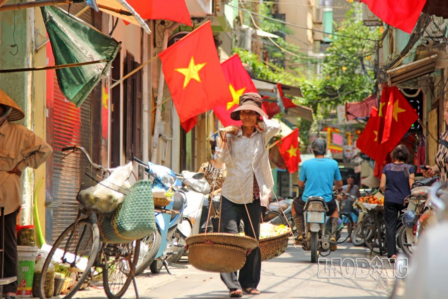 không - Còn Cờ Đỏ Sao Vàng, Cờ Máu Thì Không Bao Giờ Có Độc Lập, Tự Do, Hạnh Phúc Treoco-009-danlambao