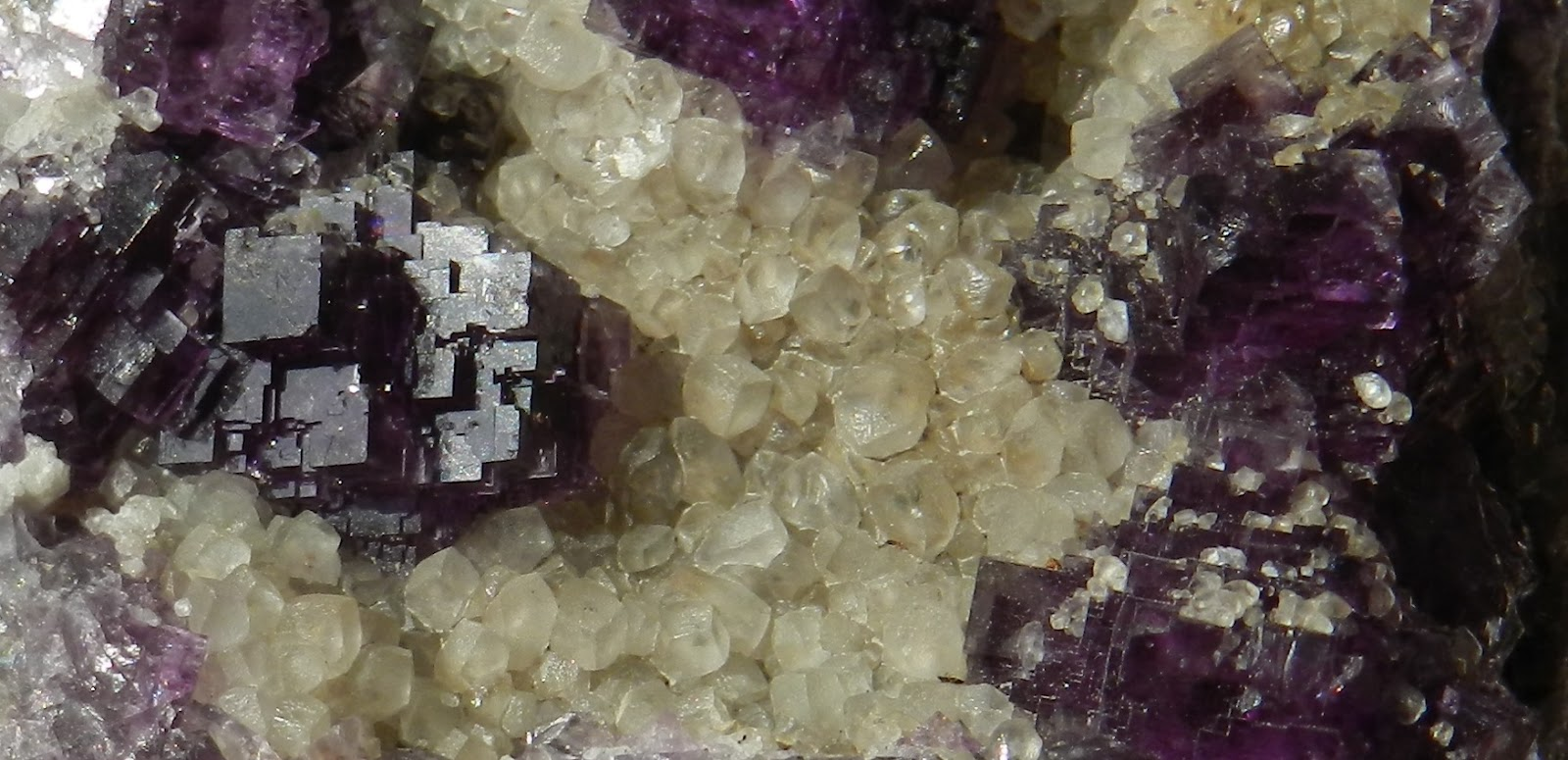 Fluorites d'autres provenances en Belgique - Page 2 Lavaux1