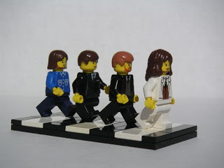 Abbey Road (1969) - Page 5 The-beatles-2-lego