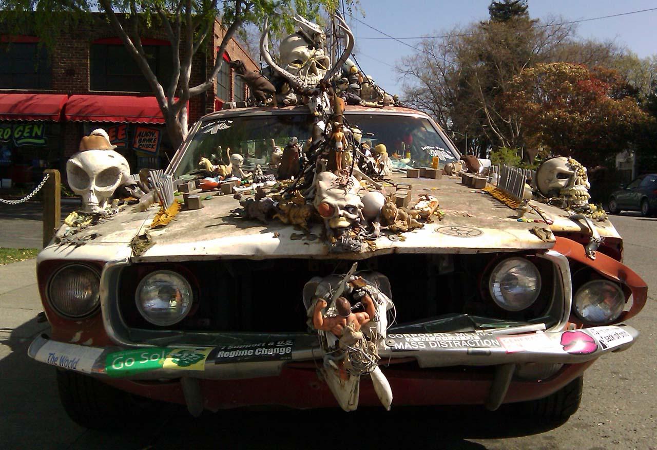SKULL selon vos envies !!! - Page 6 1969_Mustang_Skull_Art_Car_Central_66