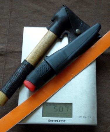 Sierra, hacha y cuchillo, la alternativa lógica a un único cuchillo grande 507A