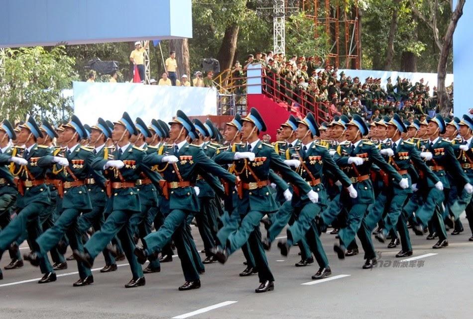 Vietnam - Página 6 Thousands%2Battend%2Brehearsal%2Bfor%2B40th%2Banniversary%2Bcelebrations%2Bof%2BVietnam%2BLiberation%2BDay%2Bparade%2B9
