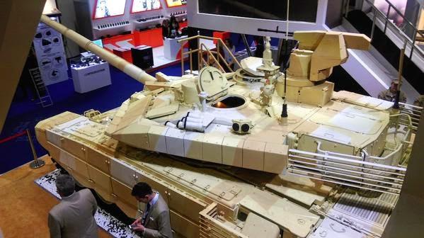 El tanque ruso T-90 B-dS1BfCYAA9Ll6