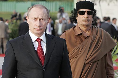 Aznar: Habría que dar a Cuba el mismo tratamiento que a Libia - Página 2 Putin-with-gaddafi