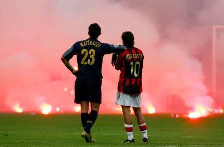 غرائب كرة القدم Feu-soccer