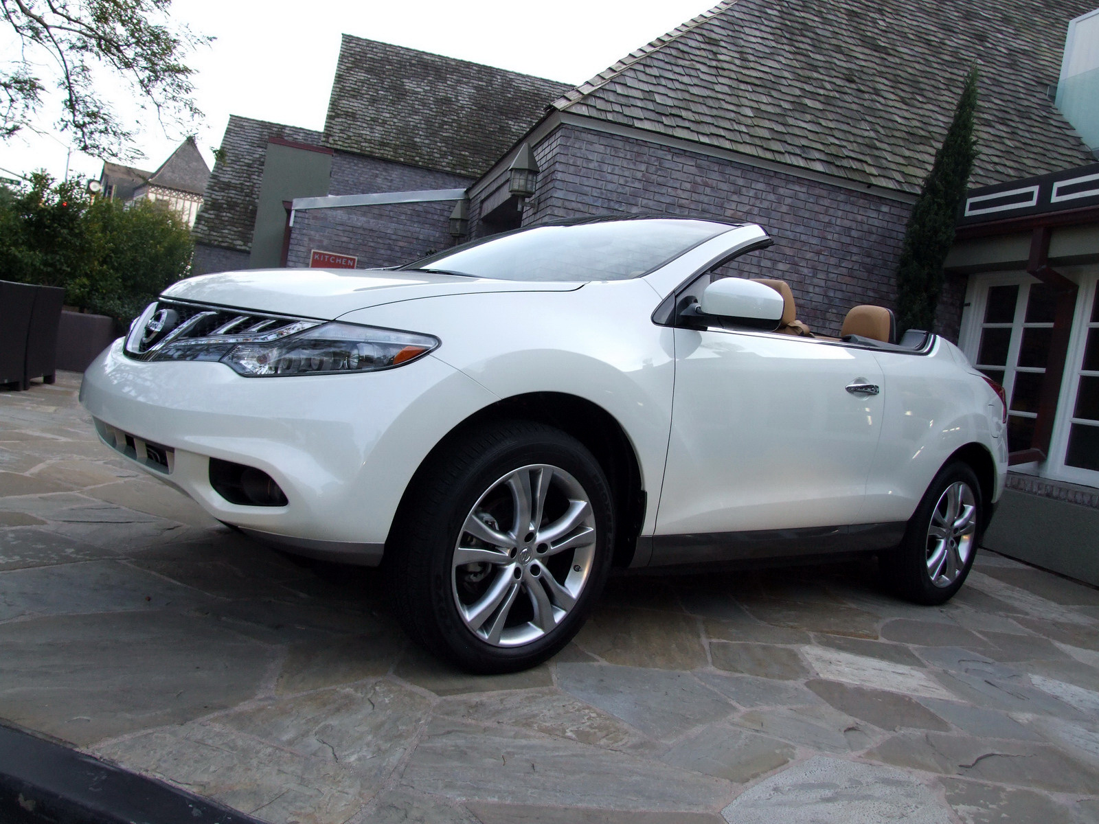 2010 - [Nissan] Murano CrossCabriolet - Page 4 2011-Nissan-Murano-CC-TD-630