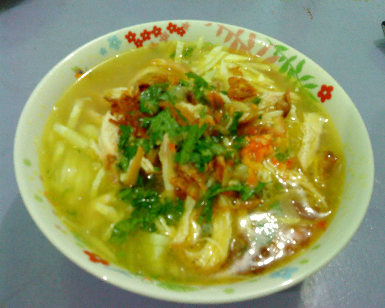What's your favourite food from your country? - Page 9 Soto-ayam-enak