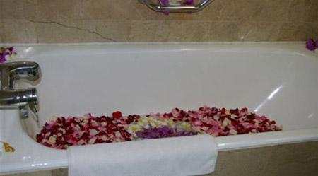 دلعى زوجك بديكورات هذه الغرف الرومانسية  Gal-6-22-10-2011