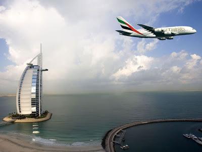 Tráfego - [Internacional] Emirates é a maior companhia aérea mundial em tráfego internacional  Emirates_dubai_burj_al_arab-normal