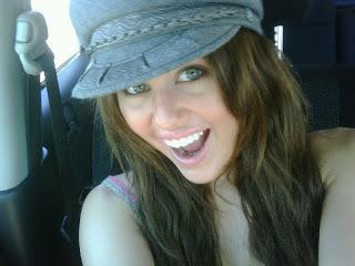 @MileyCyrus Miley-cyrus_COM-twitter0088