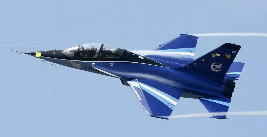 الطائرة الايطالية M-346 ثمرة التصنيع الايطالى الروسى ! - صفحة 2 1258345559_23340