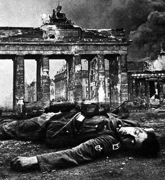 BERLIN. 1945 Berlin1945a9sz