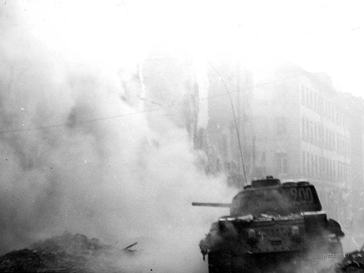BERLIN. 1945 11