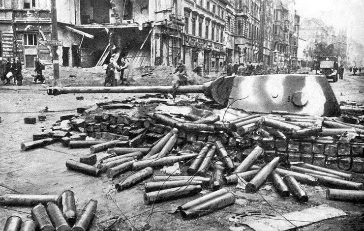 BERLIN. 1945 12