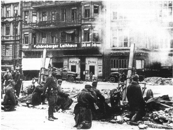 BERLIN. 1945 21