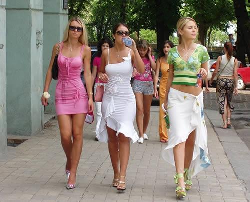 MUÑECAS DE CAPOS LAS PRINCIPALES INFORMANTES  Mujeres-casuales-1-
