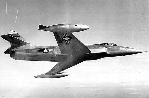 اسرع 50 طائرة في العالم XF-90_2