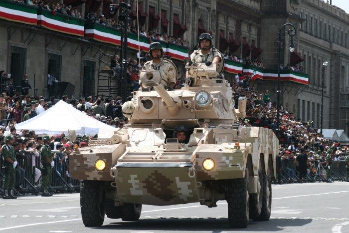 Ejército Mexicano Panhard%252BERC%252B90%252BF1%252BLynx%252B%2525284%252529