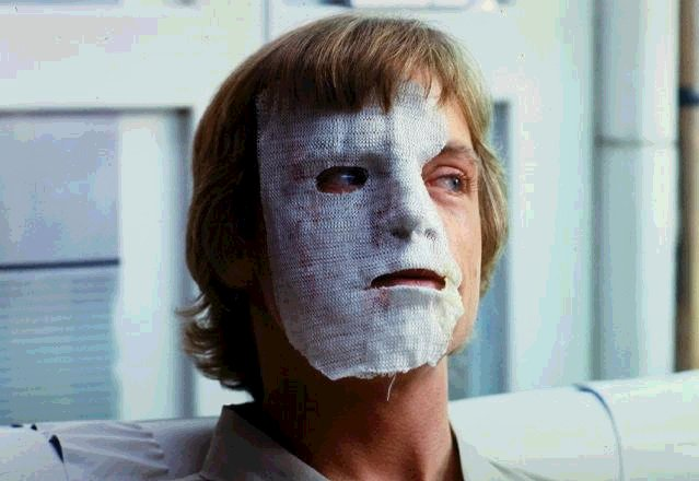 Original Trilogy Cut Scenes : Empire Strikes Back Luke-mask_on