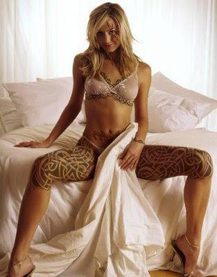 Par tetovējumiem - Page 4 Tribal-tattoos-design-sexy-girls-tattoos-art