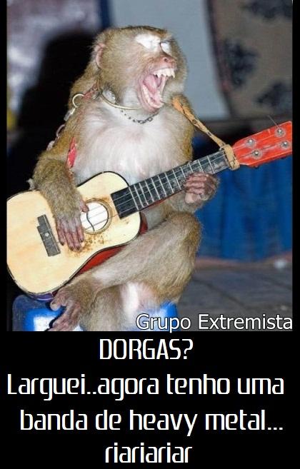 Feliz Ano novo Funeral_do_glogueiro_macaco_violao_musica_absurdo_rock_cantando_sentado_gritando_grito