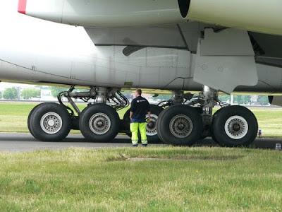 Trem de pouso, colosso de rodas 500x_airbus_a380_fahrwerk