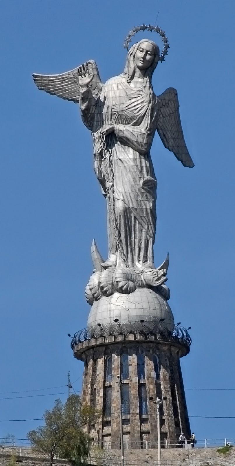 9 Estatuas mas altas de América Virgen_de_Quito_01