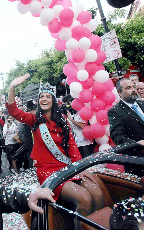 Kaiane Aldorino - Miss World 2009- Official Thread (Gibraltar) - Page 2 Missgibraltar121793