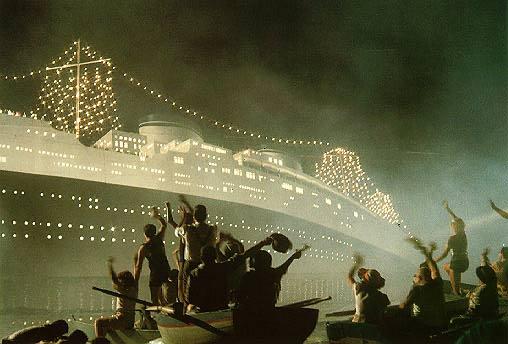 Costa Concordia célèbre le centenaire du naufrage du Titanic Fellini%2Bamarcord