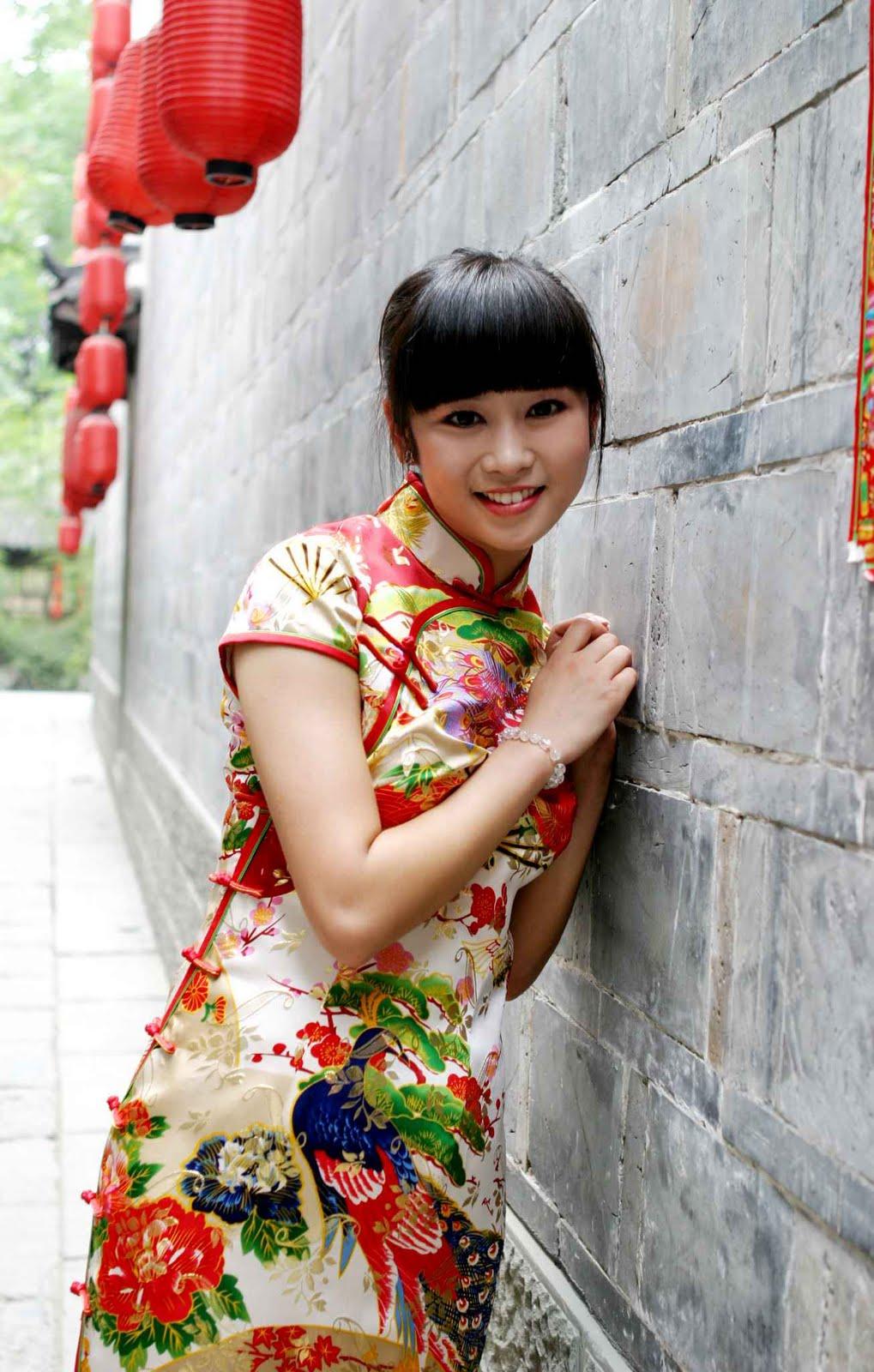 EL DESTINO ESCRIBE EN CHINO... Qipao_dress