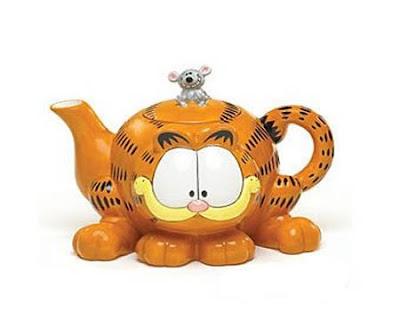அழகிய மற்றும் வித்தியாசமான தேநீர் குடுவைகள்  Creative-teapots-04