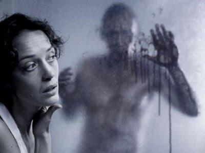 Critiques de films de zombies/contaminés - Page 4 Mutants_10.jpg