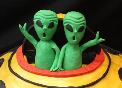 ¡Feliz cumpleaños Nissi, Alehart, y Samu! Alien%2BLuv-4
