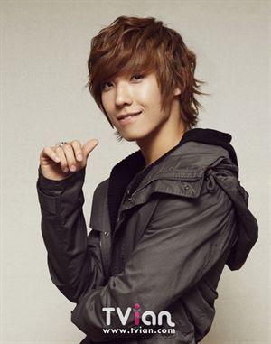 صور المغني لي جون من فرقة ام بلاك  - صفحة 5 Lee_joon1