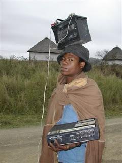 SANS COMMENTAIRES: LE GÉNIE AFRICAIN Walkman