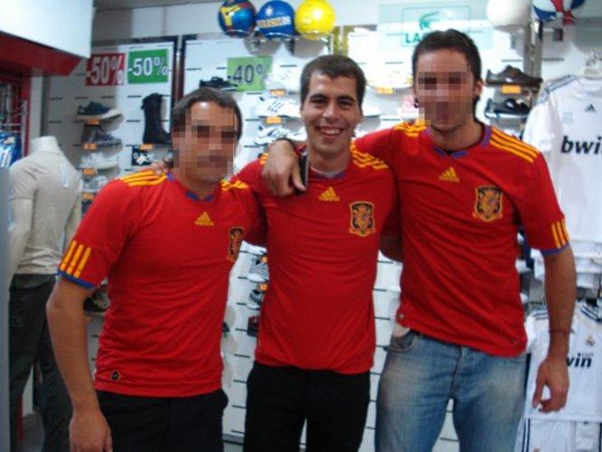 SELECCIÓN ESPAÑOLA DE FÚTBOL: TOPIC OFICIAL  - Página 2 Etarra_Jon_Rosales_camiseta_seleccion_espanola_futbol