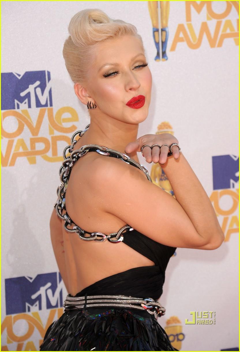 [Tema Oficial] Christina en los Mtv Movie Awards 2010. - Página 4 Christina-aguilera-mtv-movie-awards-2010-05