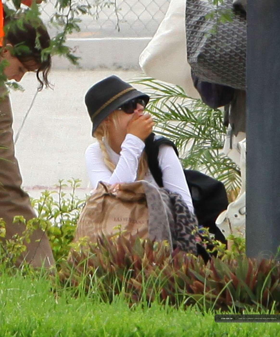 [FOTOS] Nicole Richie con Christina Aguilera en un restaurante en México (19-20-Sep) 04