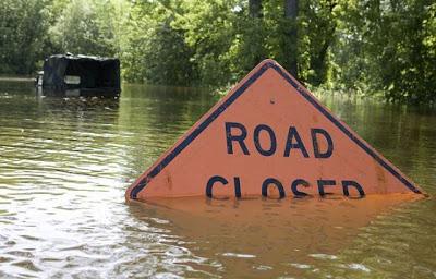 Panneaux comiques - Page 4 Hilarious_road_signs_19